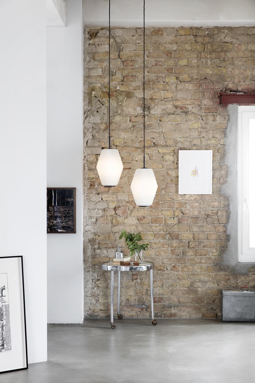 Dahl_Dark-grey-pair_brickwall
