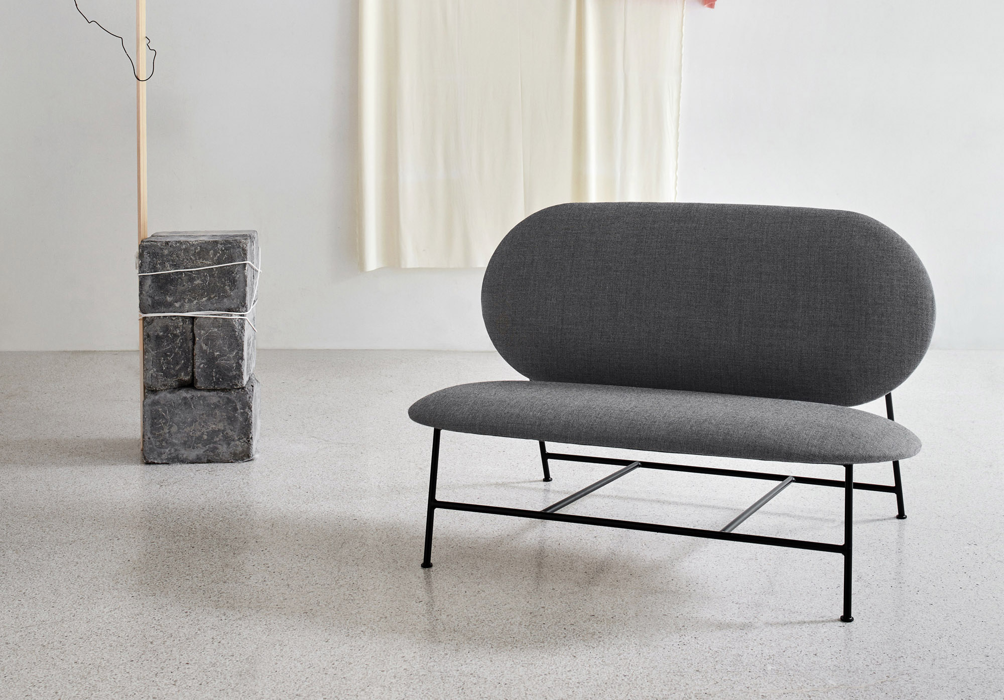 Oblong_sofa_grey_wide - Northern