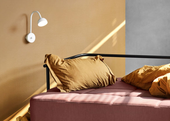 Blush_wall_white_bedside-Northern-Photo_Chris_Tonnesen_Low-res
