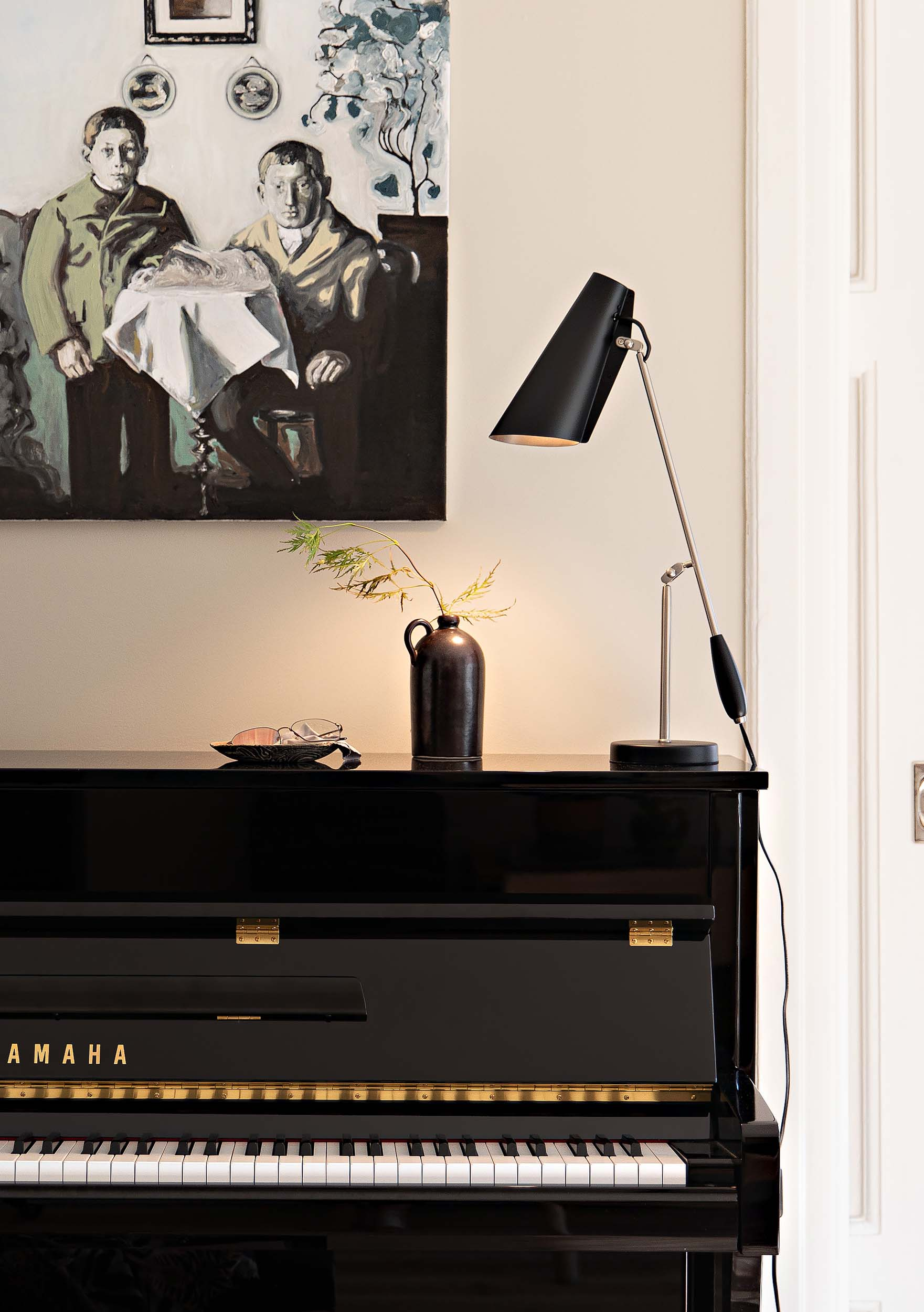 Birdy_table_lamp_black_steel_Piano_Northern