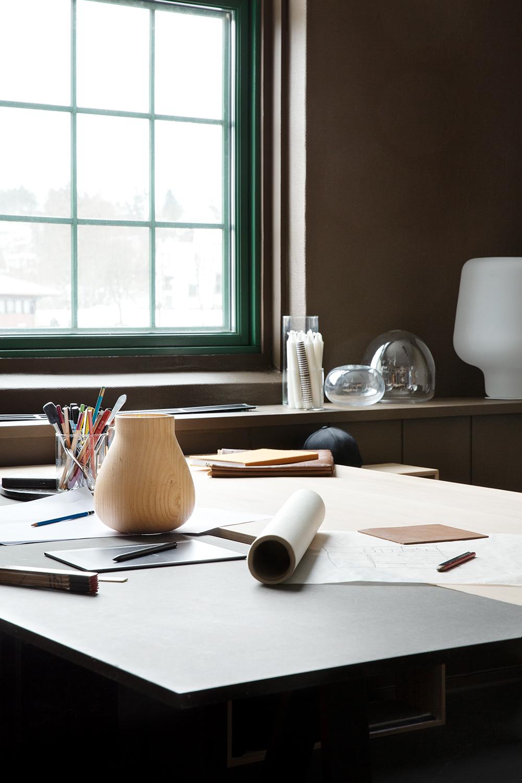 Studio_visit_Morten_Jonas_work-desk2_Northern