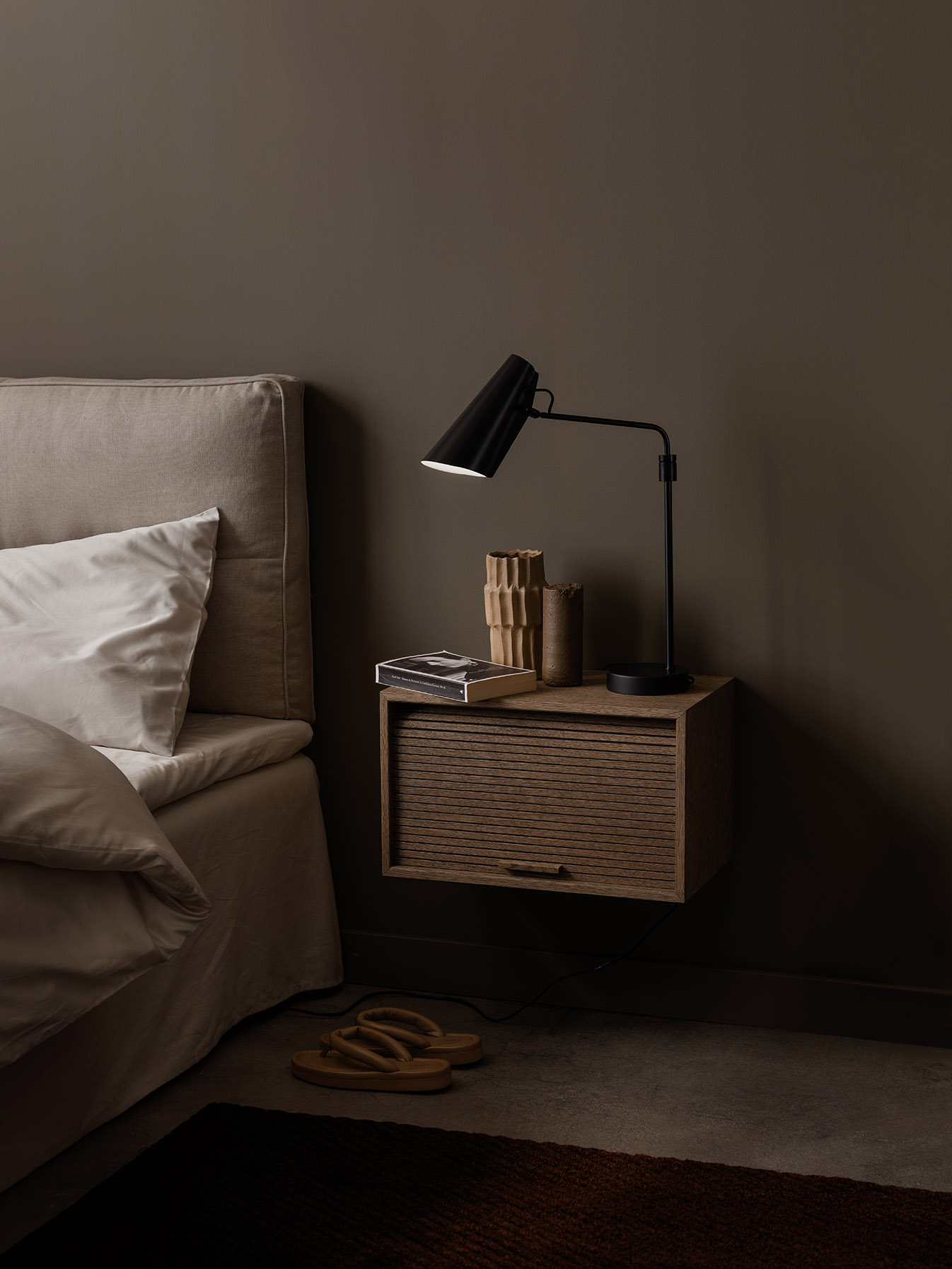 Birdy_table_lamp_swing_bedside_Hifive_Northern_Photo_Einar_Aslaksen_Low-res