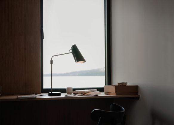 Birdy_table_lamp_swing_window_landscape_Northern_Photo_Einar_Aslaksen_Low-res