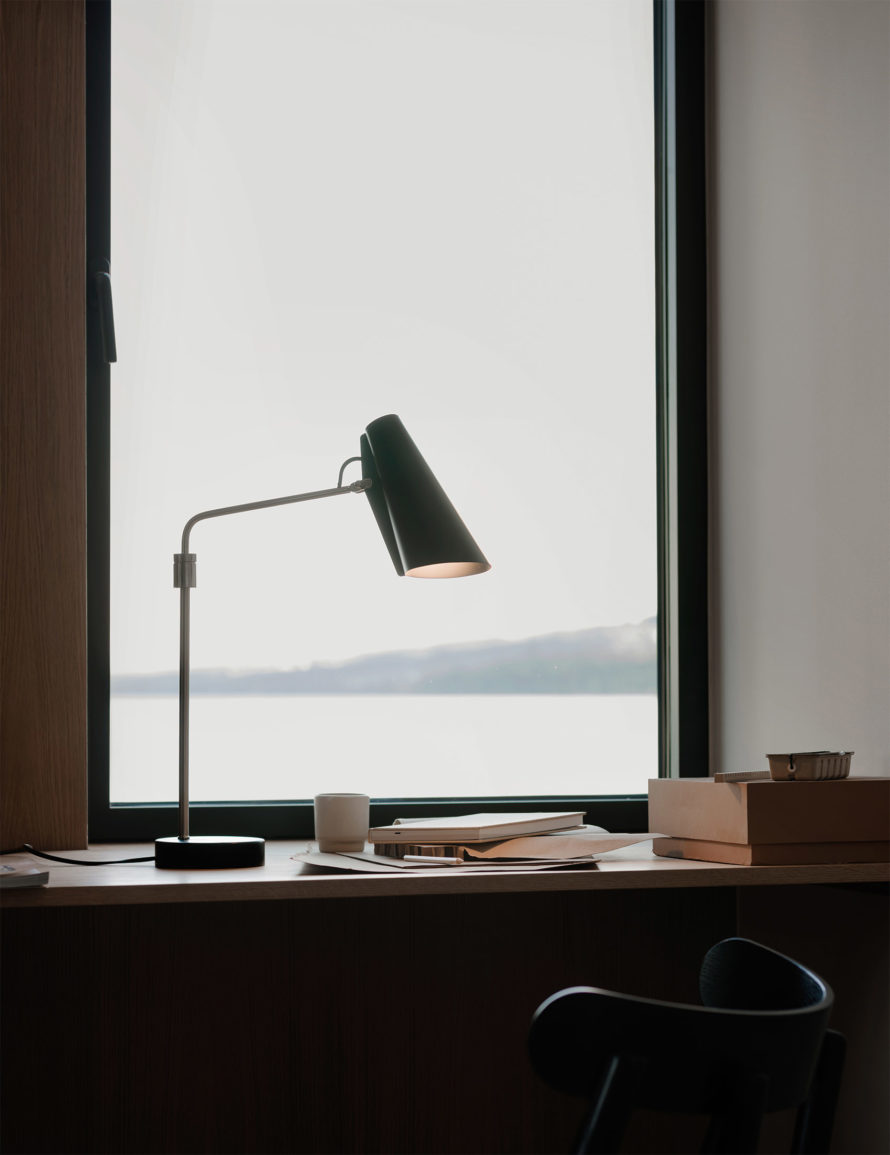Birdy_table_lamp_swing_window_portrait_Northern_Photo_Einar_Aslaksen_Low-res