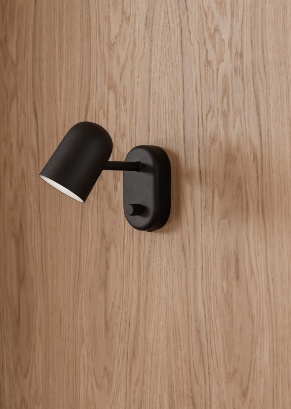 Buddy_wall_lamp_black_close_Northern_Photo_Einar_Aslaksen_Low-res