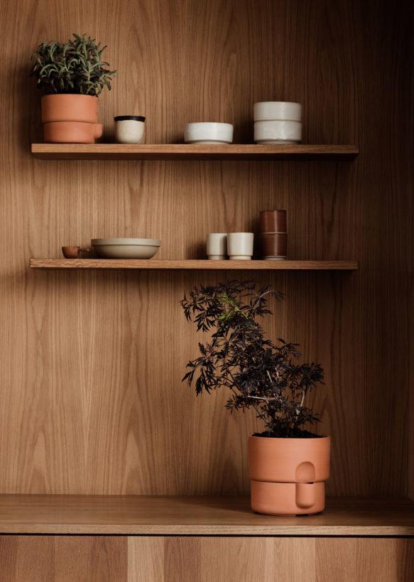 Oasis_planters_terracotta_kitchen_shelf_Northern_Photo_Einar_Aslaksen_Low-res