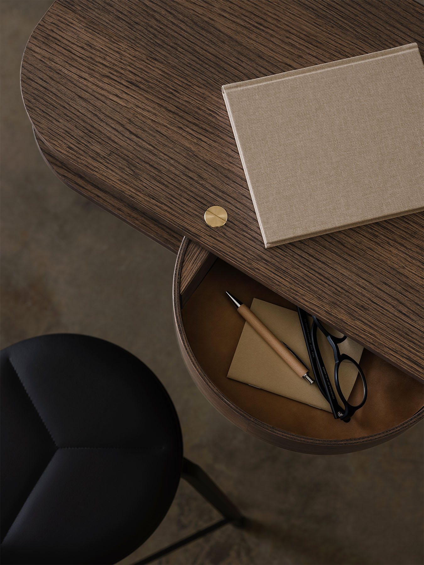 Valet_wall-console_smoked-oak_top_view_Northern_Photo_Einar_Aslaksen_Low-res